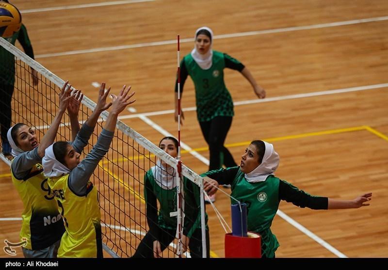 لیگ برتر والیبال بانوان، پیروزی ذوب آهن مقابل تیمِ سرمربی تیم ملی
