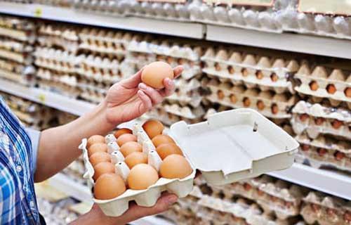 ستاد تنظیم بازار: سازمان حمایت بر نرخ تخم مرغ بسته بندی نظارت می کند